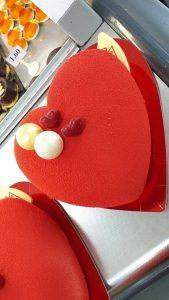 tarta con forma de corazón